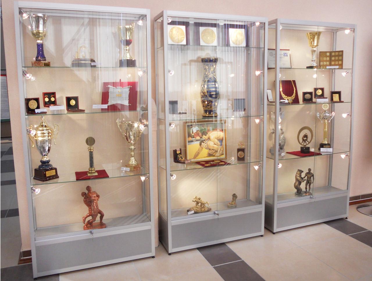 витрины для кубков наград медалей призов